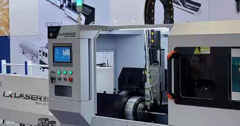 Round tube laser cutting machine in South Korean machinery exhibition